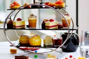 Experience the Ultimate Midweek Chocolate High Tea w/ Cocktails at Crossroads Bar in the Iconic 5* Swissôtel Sydney! Scones, Triple Choco Cake & More