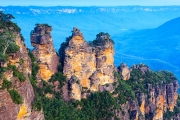 Escape the Hustle & Bustle of the City w/ a Full Day Tour of the Beautiful Blue Mountains! Visit the Famous Three Sisters, Historic Leura & More