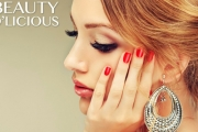 Treat Your Digits w/ a Deluxe Mani w/ Shellac Polish & Hand Massage @ Beauty D'licious on Chapel St! Upgrade for a Mani-Pedi, SNS Mani & More
