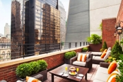 NEW YORK Wake Up to Manhattan's Bustling Madison Avenue w/ 3 Nights @ Omni Berkshire Palace! Heart of NY's Midtown. Ft. Deluxe Room w/ Daily Brekkie