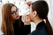 Take Your Makeup Skills to the Next Level w/ a Freelance Makeup Artist Online Course from Trendimi! Ft. Makeup Styles, Setting Up Your Business & More
