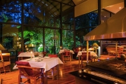 GOLD COAST HINTERLAND Romantic 2-Night Rainforest Escape in a Private Luxury Tree House. Incl. Brekkie, Cheese Plater, Bubbly on Arrival & More