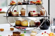 Satisfy Sweet Cravings w/ a Chocolate High Tea for Two w/ Cocktails & Chocolate Fountain at Crossroads Bar in the 5-Star Swissôtel Sydney!