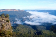 BLUE MOUNTAINS 2-Night Escape to the Blue Mountains with a Relaxing Stay at Echo Point Village! Incl. Daily Brekkie, Bottle of Wine and More