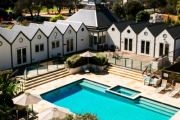 MORNINGTON PENINSULA Charming 2N Seaside Escape for 2 @ Portsea Village Resort! Chic Self-Contained Apartment w/ Brekkie, Bottle of Wine & More