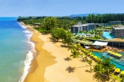 KHAO LAK Indulgent 8N at La Vela Khao Lak! Deluxe Room w/ Multi-Course Dinners, Daily Free-Flow Drinks Hour at Kokulo Beach Club, Massages & More
