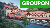 JENOLAN CAVES 1 or 2-Night Stay in a Caves House Classic Room at Award-Winning Jenolan Caves House! Incl. Breakfast and Cave Tour for 2 People
